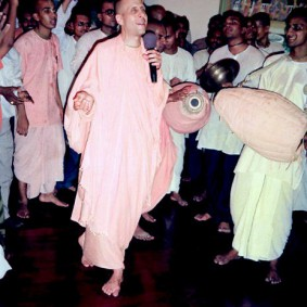 Kirtan by Radhanath Swami 283x283 Radhanath Swami As a Music Lover