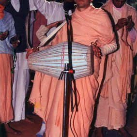 Radhananth Swami Playing Mrdanga 283x283 Radhanath Swami As a Music Lover