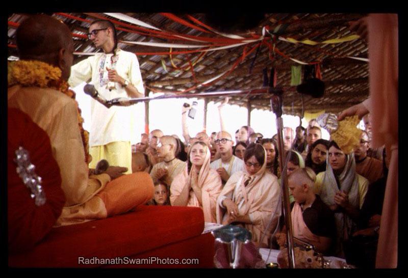 Radhanath-Swami-Hearing-Srila-Praphupada