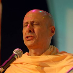 Radhanath Swami Singing Kirtan 283x283 Radhanath Swami As a Music Lover