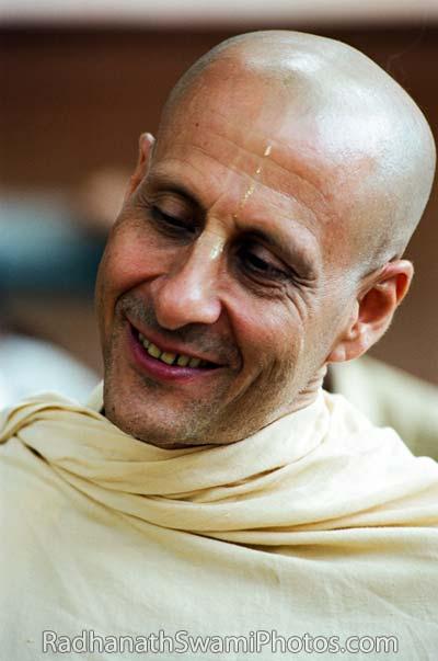 Radhanath-Swami-Smiling-2