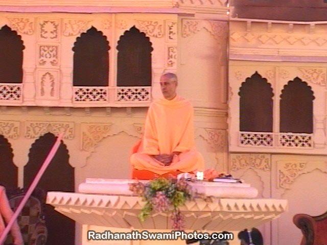 Radhanath-Swami-Vyas-Puja-P5