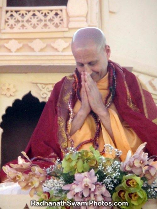 Radhanath-Swami-in-Vyas-Puj