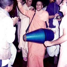 Radhanath Swami Playing Mridanga 283x283 Radhanath Swami As a Music Lover