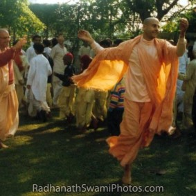 dancing with devotees  283x283 Radhanath Swami As a Music Lover