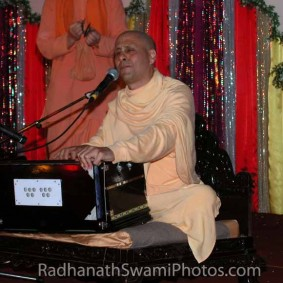 playing on the harmonium1 283x283 Radhanath Swami As a Music Lover