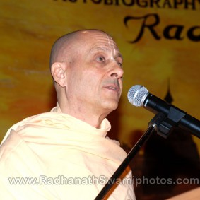 DSC 0166 283x283 Radhanath Swami at Gujarat Book Launch