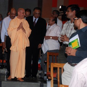 Radhanath Swami at Ahmedabad Management Association 283x283 Radhanath Swami at Gujarat Book Launch