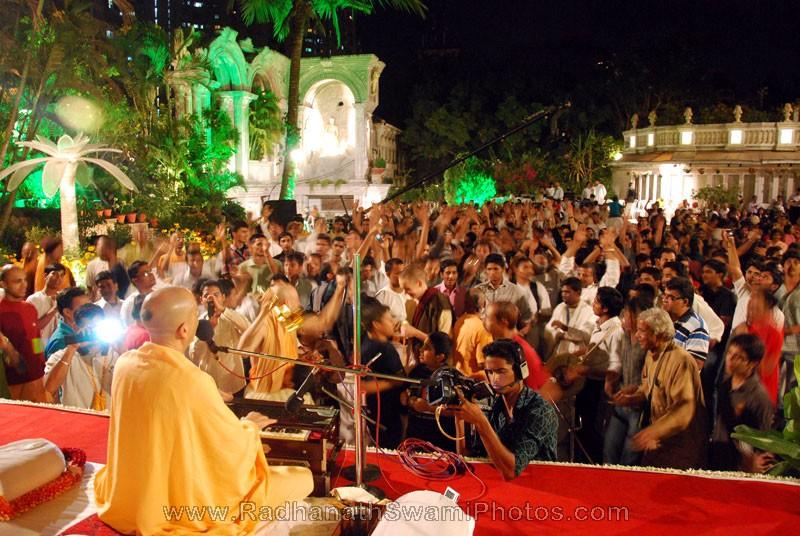 Radhanath Swami Perfoming Kirtan