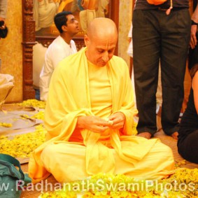 Radhanath Swami Plucking Petals for The Lord 283x283 Radhanath Swami During Pusya Abhishek Festival   2012