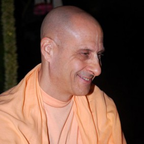 Radhanath Swami Smiling Photo 283x283 Radhanath Swami At Birla House