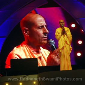 Radhanath Swami at Youth Festival 283x283 Radhanath Swami at Inspiro 2012
