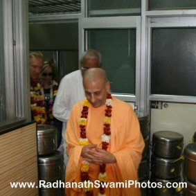 Radhanath Swami in Midday Meal Office 283x283 Radhanath Swami Visits Midday Meal