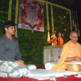 Radhanath Swami with Yash Birla1 283x283 Radhanath Swami At Birla House