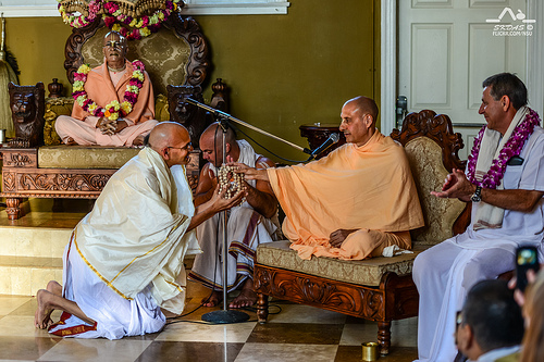 HH Radhanath Swami gives Harinaam Initiation