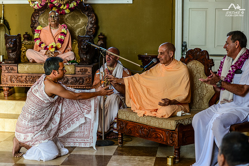 HH Radhanath Swami giving Initiation