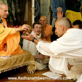 Initiation Ceremony6 new 283x283 Radhanath Swami In Moscow