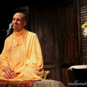 Radhanath Swami 5168288955 23452ce478 b 283x283 Radhanath Swami Special Moments