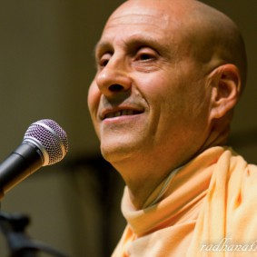 Radhanath Swami 5202870709 5e493632d4 b 283x283 Radhanath Swami Special Moments