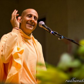 Radhanath Swami 5766680086 ef620236a6 o 283x283 Radhanath Swami Special Moments