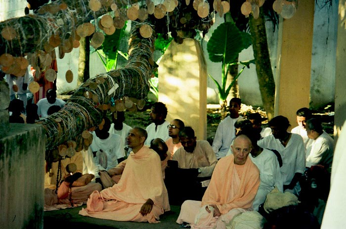 Radhanath Swami Chanting
