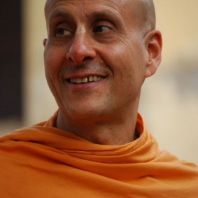 Radhanath Swami DSC 0687 283x283 Radhanath Swami Special Moments