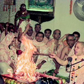 Radhanath Swami Initiation Ceremony 283x283 Radhanath Swami During Initiation Ceremony