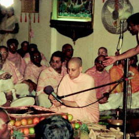 Radhanath Swami Maharaj 283x283 Radhanath Swami During Initiation Ceremony