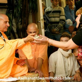 Radhanath Swami giving Initiation 283x283 Radhanath Swami In Moscow