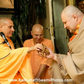 Radhanath Swami giving Initiation1 283x283 Radhanath Swami In Moscow