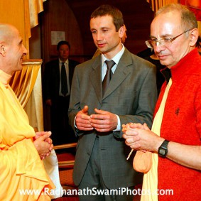 in central strategia moscow yatra march 2012 14 new 283x283 Radhanath Swami In Moscow
