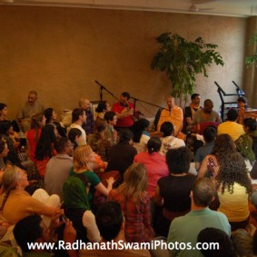Screenshot20120502at2.06.27PM new 283x283 Radhanath Swami at Bhakti Center, New York