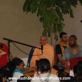 Screenshot20120502at2.06.39PM new 283x283 Radhanath Swami at Bhakti Center, New York