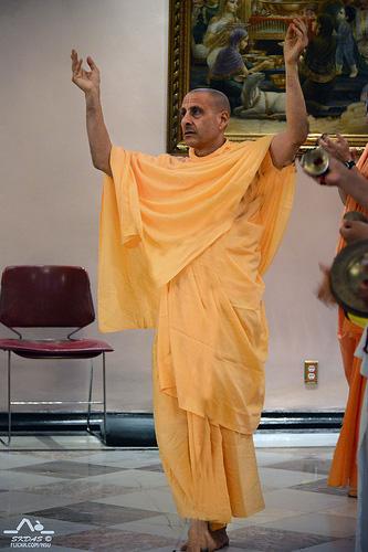 Dancing Kirtan By HH Radhanath Swami