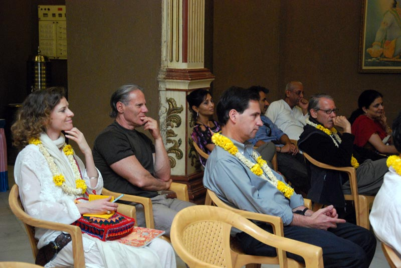 Harvard University Students Visits ISKCON Chowpatty