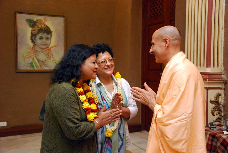 Harvard University students meeting HH Radhanath Swami