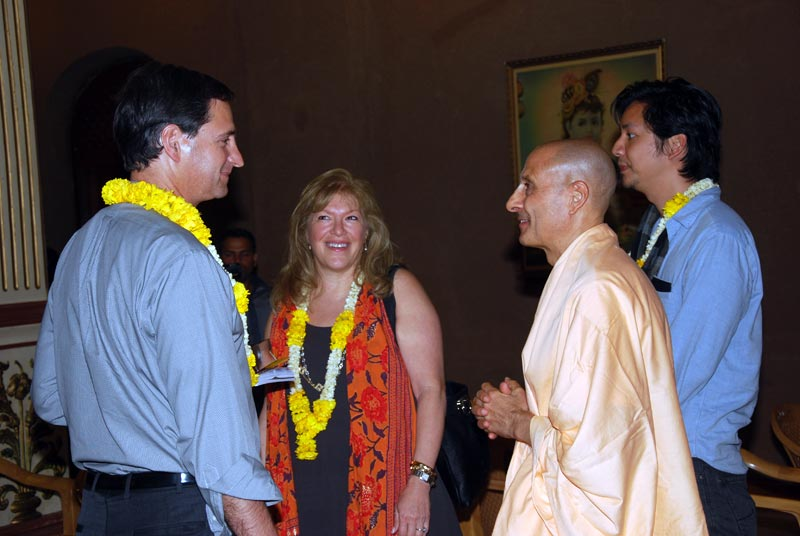 Radhanath Maharaj with Harvard Students