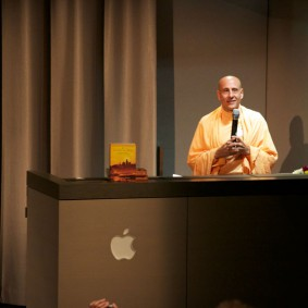 IMG 1979 Radhanath Swami 283x283 Radhanath Swami At Apple Inc.