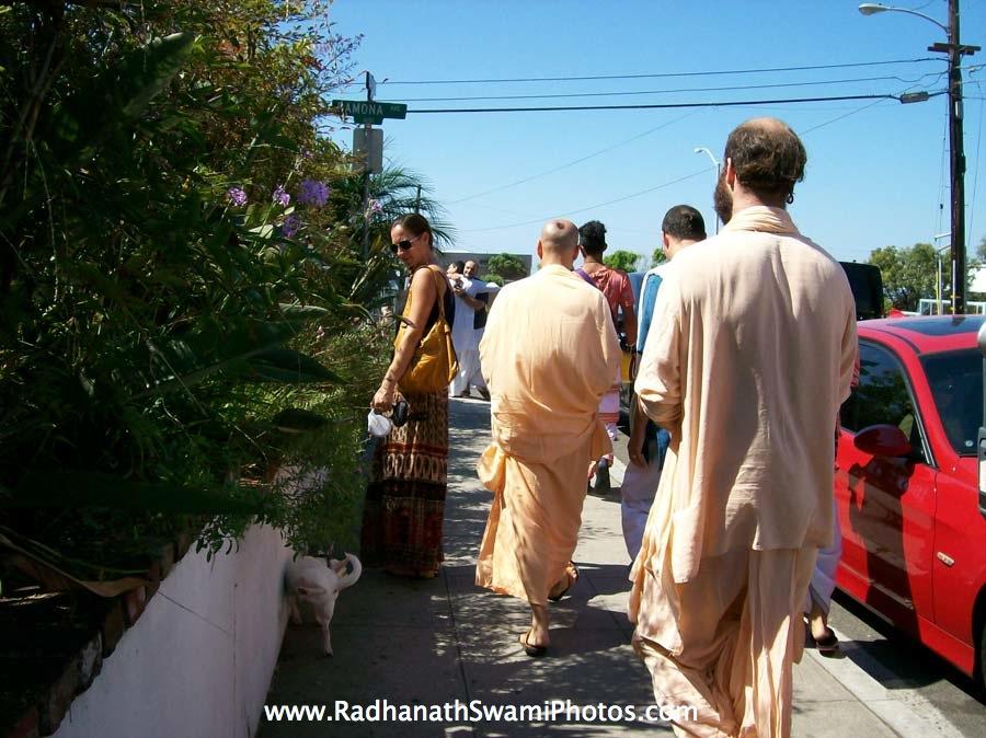 Radhanath Swami during rath yatra at Laguna Beach
