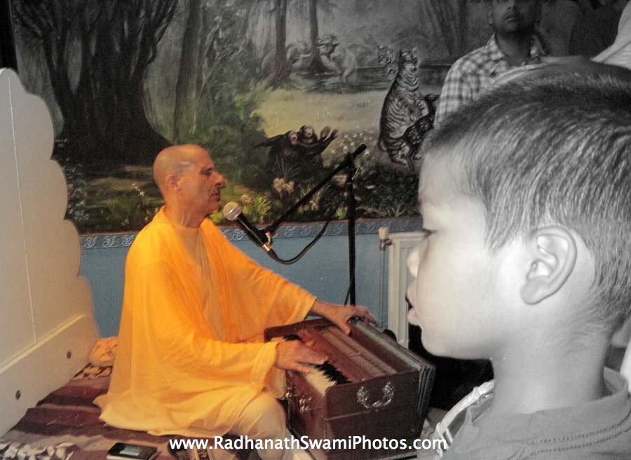 Kirtan by HH Radhanath Swami in Holland