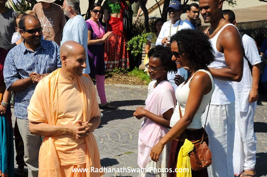 Radhanath Swami meeting Devotees during Rath Yatra