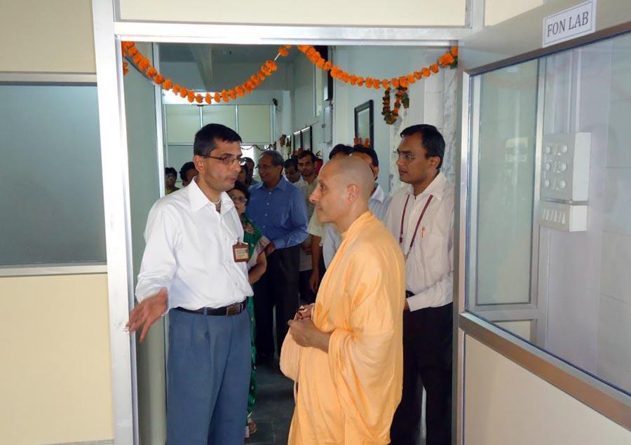 Radhanath Swami meeting Doctors