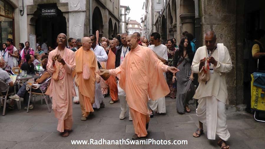 Dancing Kirtan by Radhanath Swami during Spiritual Retreat