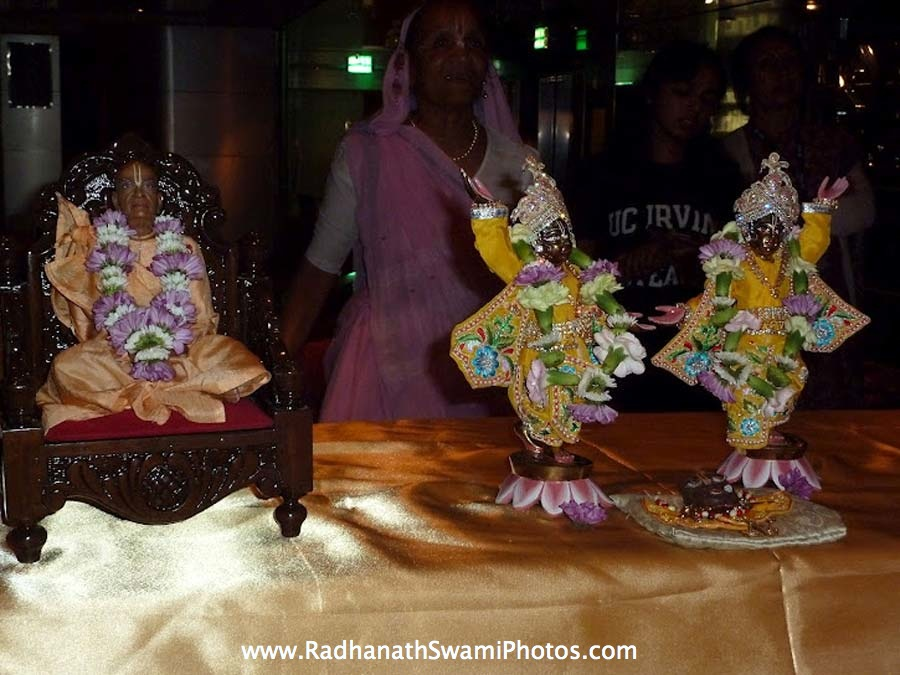 Srila Prabhupada and Gaur Nitai Deities