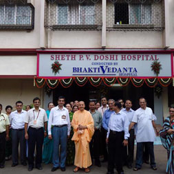 Radhanath Swami at PV Doshi Hospital