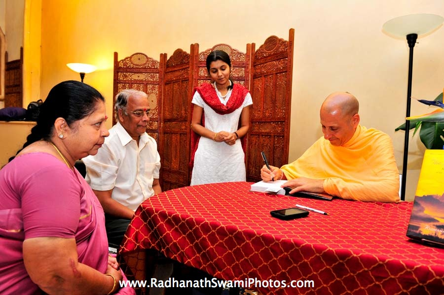 Book singing by Radhanath Swami At Bodhi tree Book Store
