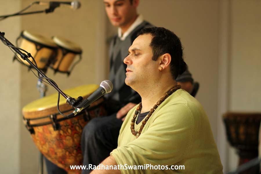 Gauravani Prabhu kirtan at Boston University