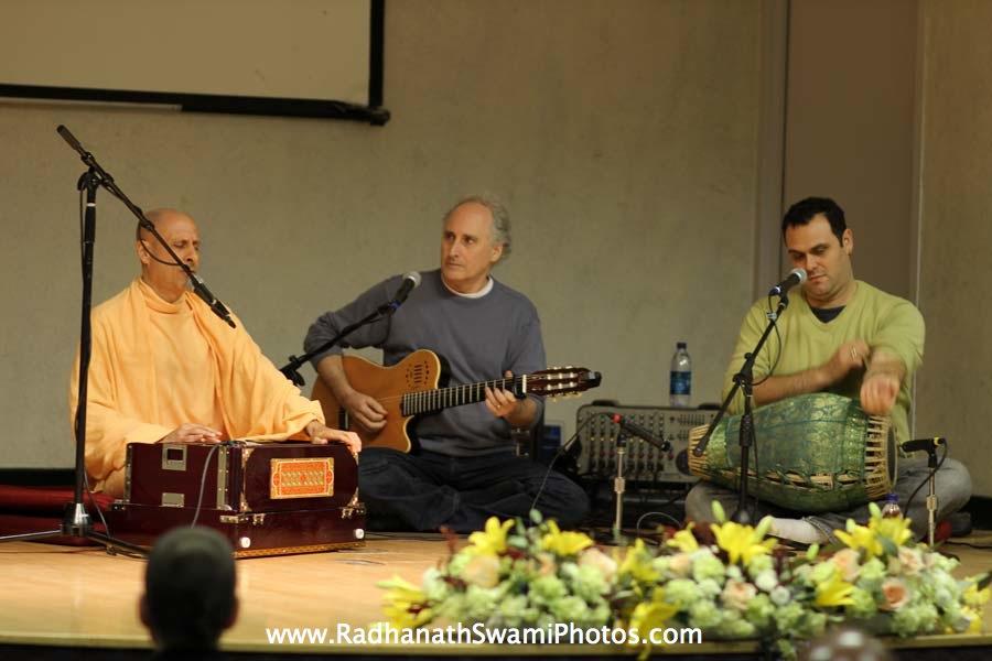 Kirtan by HH Radhanath Swami at Boston University