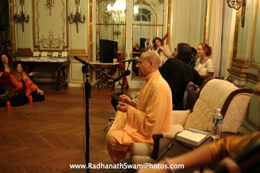 Kirtan by HH Radhanath Swami at Elkins Estate