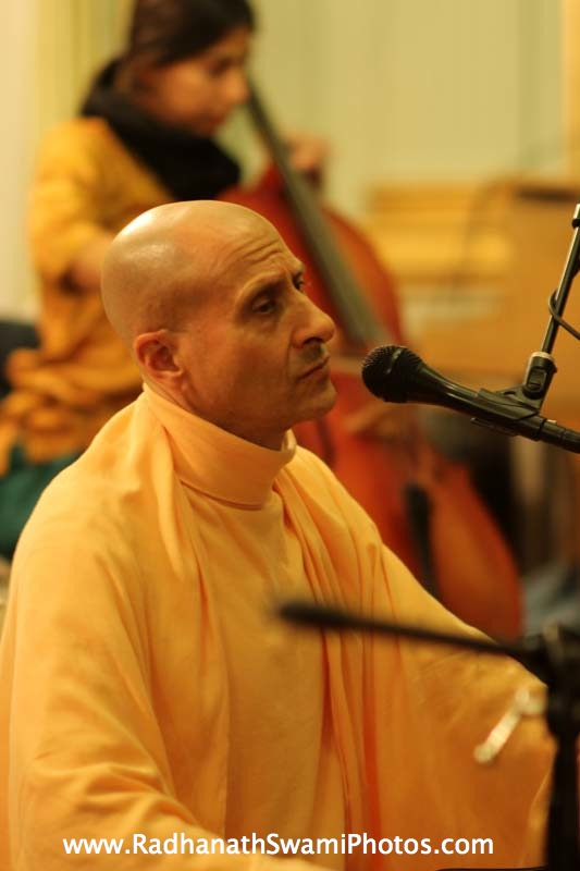 Kirtan by Swami Radhanath Maharaj at Elkins Estate